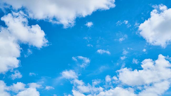 もう天気に左右されない!簡単操作で曇り空がきれいな青空に変わっちゃう加工方法を紹介します!