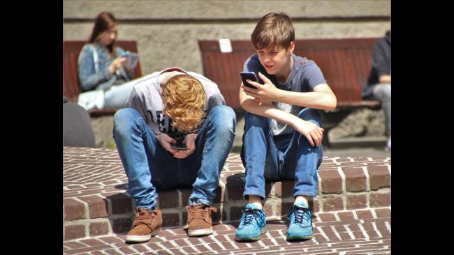 インスタグラム利用者の年齢層が広がる?子ども向けのインスタ開発を発表